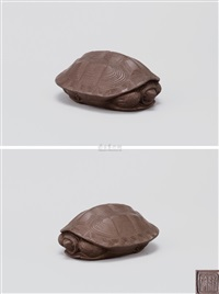 龟 (tortoise shaped teapot) by jiang rong