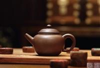 直嘴圆腹壶 (globular shaped teapot) by chen hanwen and gu jingzhou