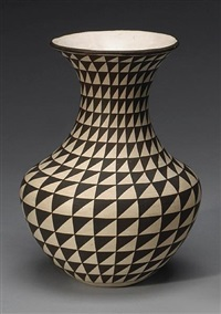 an acoma vase by lucy martin lewis