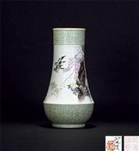 粉彩紫藤花鸟宝塔瓶 by liu ping