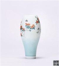 粉彩《蝶恋花》薄胎瓷瓶 by dai yumei