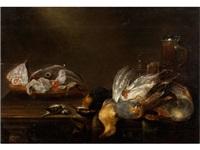 stilleben mit toten vögeln, fischen und prunkhumpen by alexander adriaenssen
