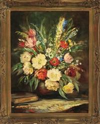 stilleben mit pfingstrosen, tulpen, gladiolen und wiesenblumen in einer bauchigen vase, daneben ein buch by george albert dorschfeldt