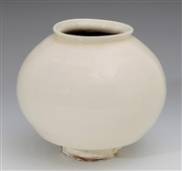 vase by masaya yoshimura