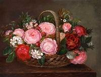 opstilling med roser i kurv by margrethe bahner