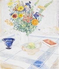 bordsstilleben med blommor och frukter by arne kavli