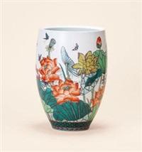 古彩荷风珠露瓶 (a gucai lotus vase) by jiang yueguang