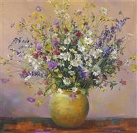 wiesenblumen in gelber vase by marcus jacobi
