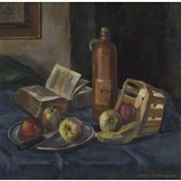 stillleben mit äpfeln, buch und steinzeugflasche by hans gartmeier