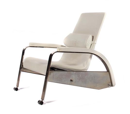 fauteuil de grand repos by jean prouv on artnet. Black Bedroom Furniture Sets. Home Design Ideas