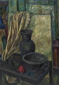 stilleben mit schwarzer vase by iosif naumovich gurvich