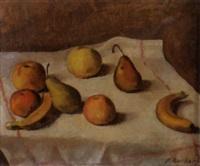 stilleben mit äpfeln und birnen auf einem weissen tischtuch by alexandre rochat