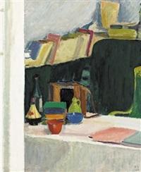 interieur mit büchern, schalen und ziehharmonika by bruno hesse