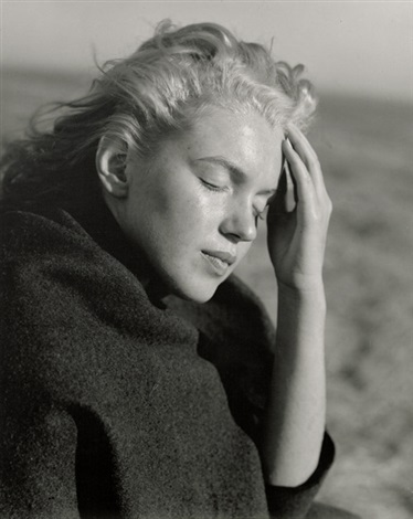 marilyn monroe with shawl norma jean in sweater at the beach 2 works by andre de dienes