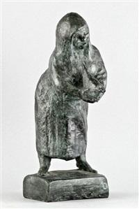 nach vorn gebeugte alte mit bedecktem haupt, eine taube haltend by gregor kruk