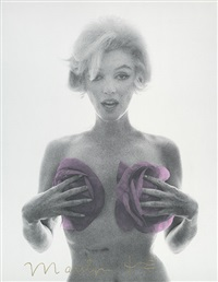 marilyn monroe with pink roses (from the last sitting for vogue) by bert stern