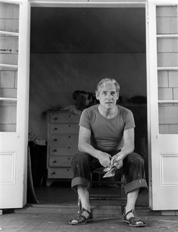 willem de kooning studying his work east hampton by tony vaccaro