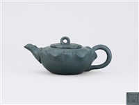 lotus leaf shaped teapot by jiang rong