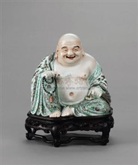粉彩布袋和尚坐像 (monk with cloth bag, famille-rose porcelain sculpture) by xue changsen