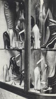 la vitrine de chaussures by claude cahun