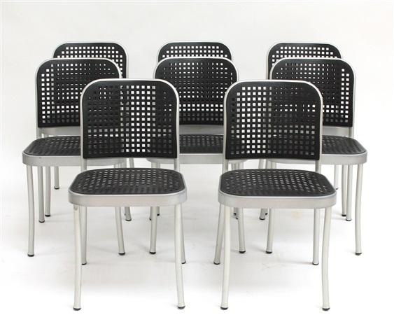 Plastic Design Stoelen.Acht Silver Stoelen By Vico Magistretti On Artnet