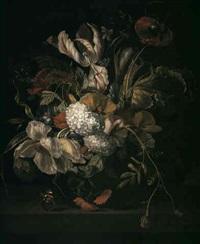 stilleben med blommor i vas, staende pa stenskiva by a. van den bergk