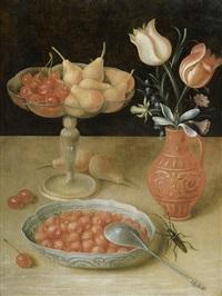früchtestilleben mit wanli-schale, erdbeeren und tulpen by georg flegel