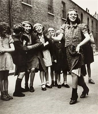 east end girls, dancing the lambeth walk by bill brandt