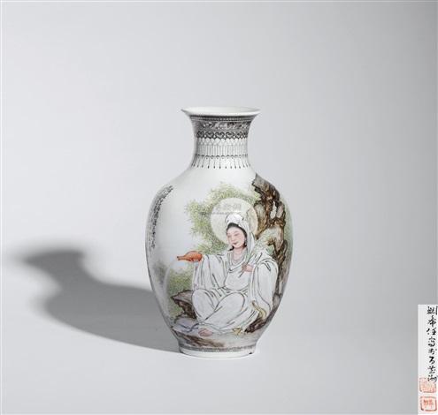 粉彩观音大士瓶 a famille rose avalokitesvara vase by liu xiren