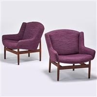 pair of lounge chairs by jens risom