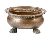 an italian oval planter by egidio casagrande
