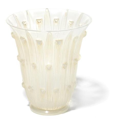 vase: bellis by rené lalique