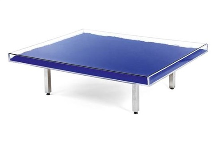 Table bleue by yves klein on artnet for Table yves klein