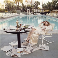 faye dunaway at the beverly hills hotel (oscar ennui) by terry o'neill