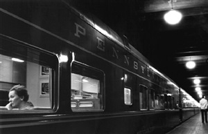 penn. station by louis stettner