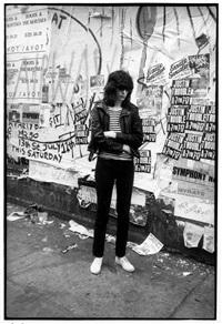 joey ramone, st.marks place 1981 by godlis