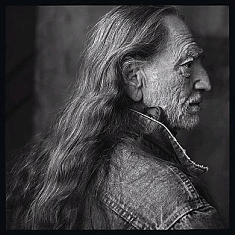 willie nelson, luck ranch, spicewood, texas, 2001 by annie leibovitz