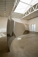 s-curve by anish kapoor