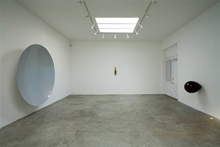 installation view at regen projects, los angeles by anish kapoor