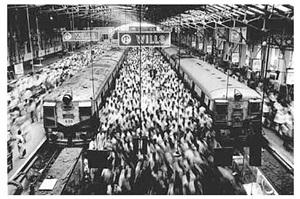 untitled, bombay, india (chruchgate station) by sebastião salgado