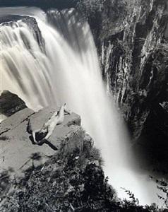 waterfall, erika's nude by valdir cruz