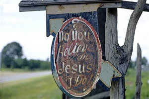 """do you believe in jesus, i do"", stephen syke's place, near aberdeen, mississippi by william christenberry"