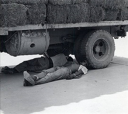 descansando / resting by lola alvarez bravo