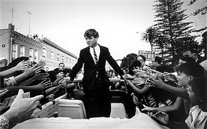 robert kennedy campaign, california by steve schapiro