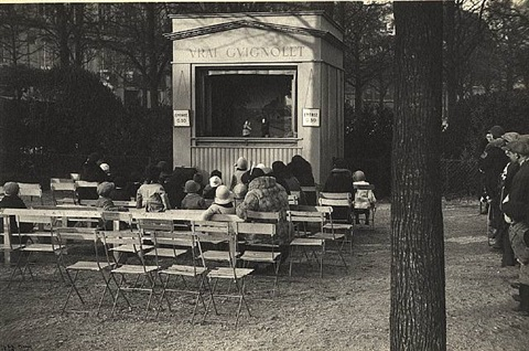 puppet show, paris by ilse bing