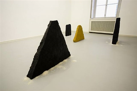 wohin gehst du? by wolfgang laib