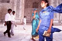 visitors to the taj mahal by raghubir singh