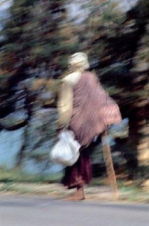 walking i by alfredo jaar