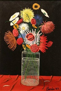 fleurs dans un vase en verre by camille bombois