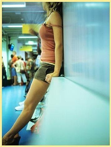 easy-jet girl (berlin) by jean-luc moulène